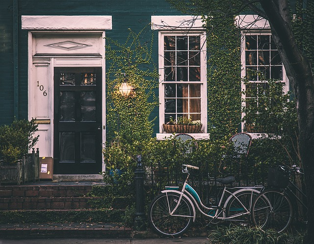 kola před domem