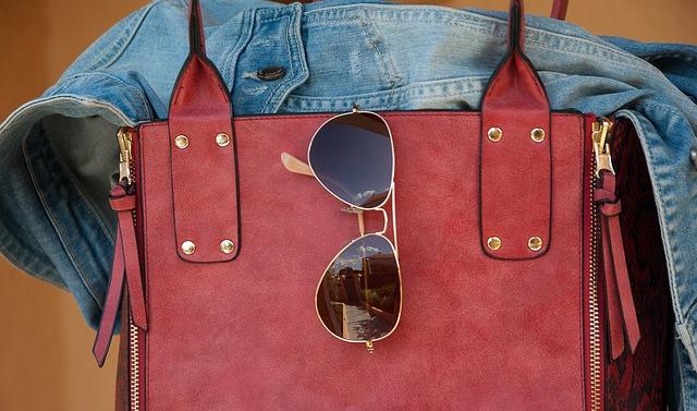 taška s bočními zipy