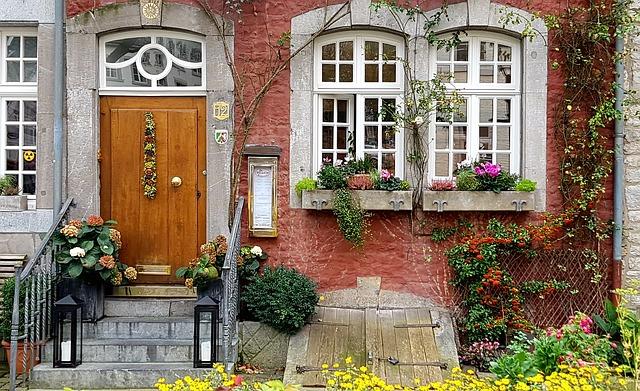 venkovní květinové dekorace